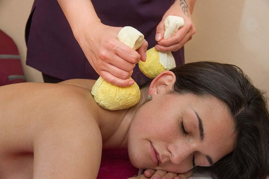 Ganzkörperwellnessmassage